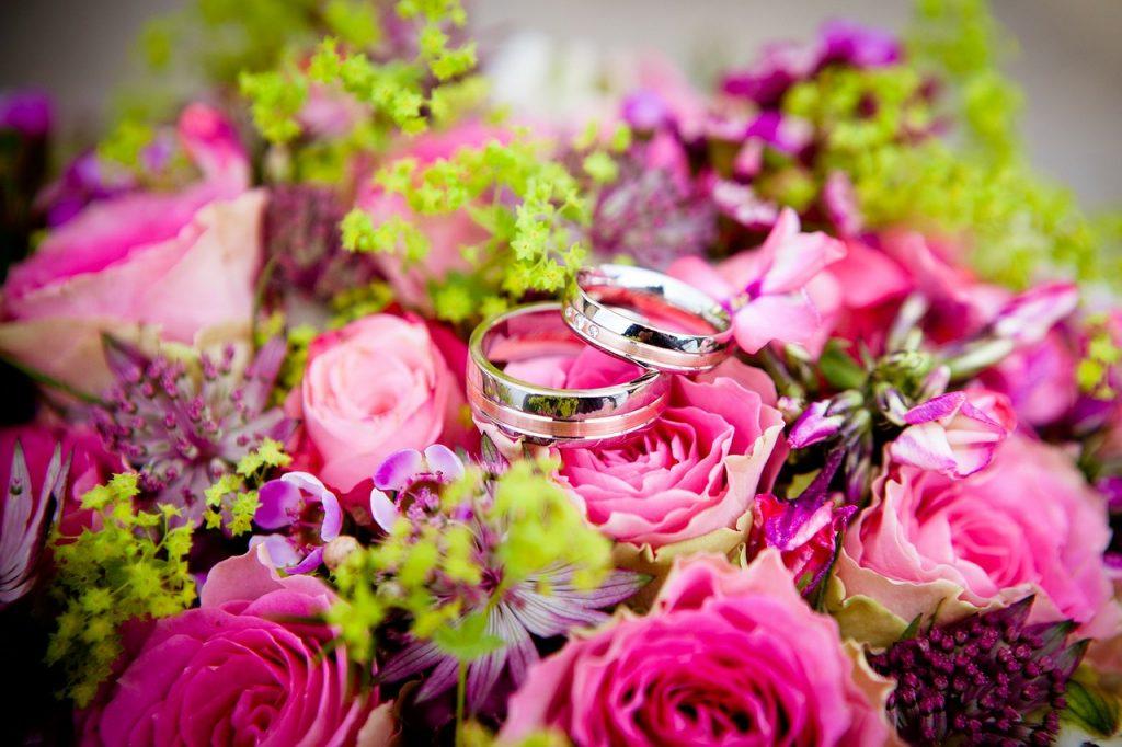 結婚指輪を安く購入するコツ