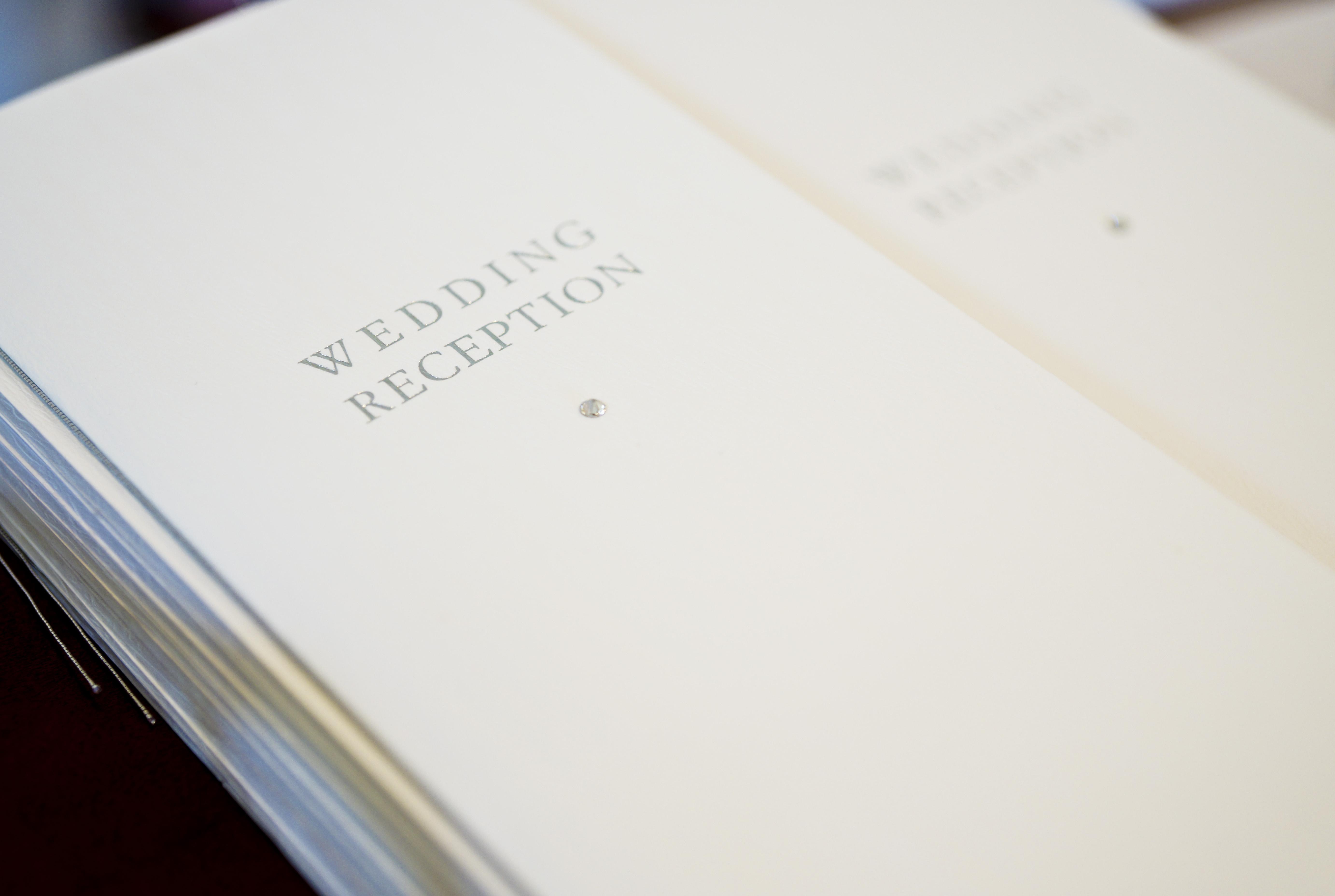 結婚式の席次表・パンフレットの作成で抑えるポイント